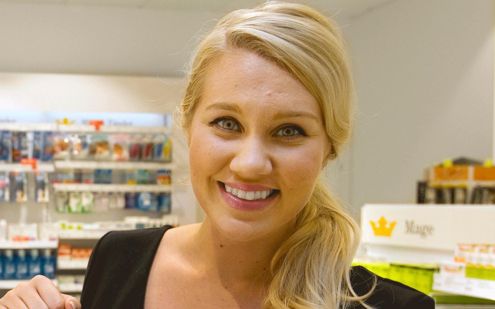 kreditkort ledsagare blond i Örebro