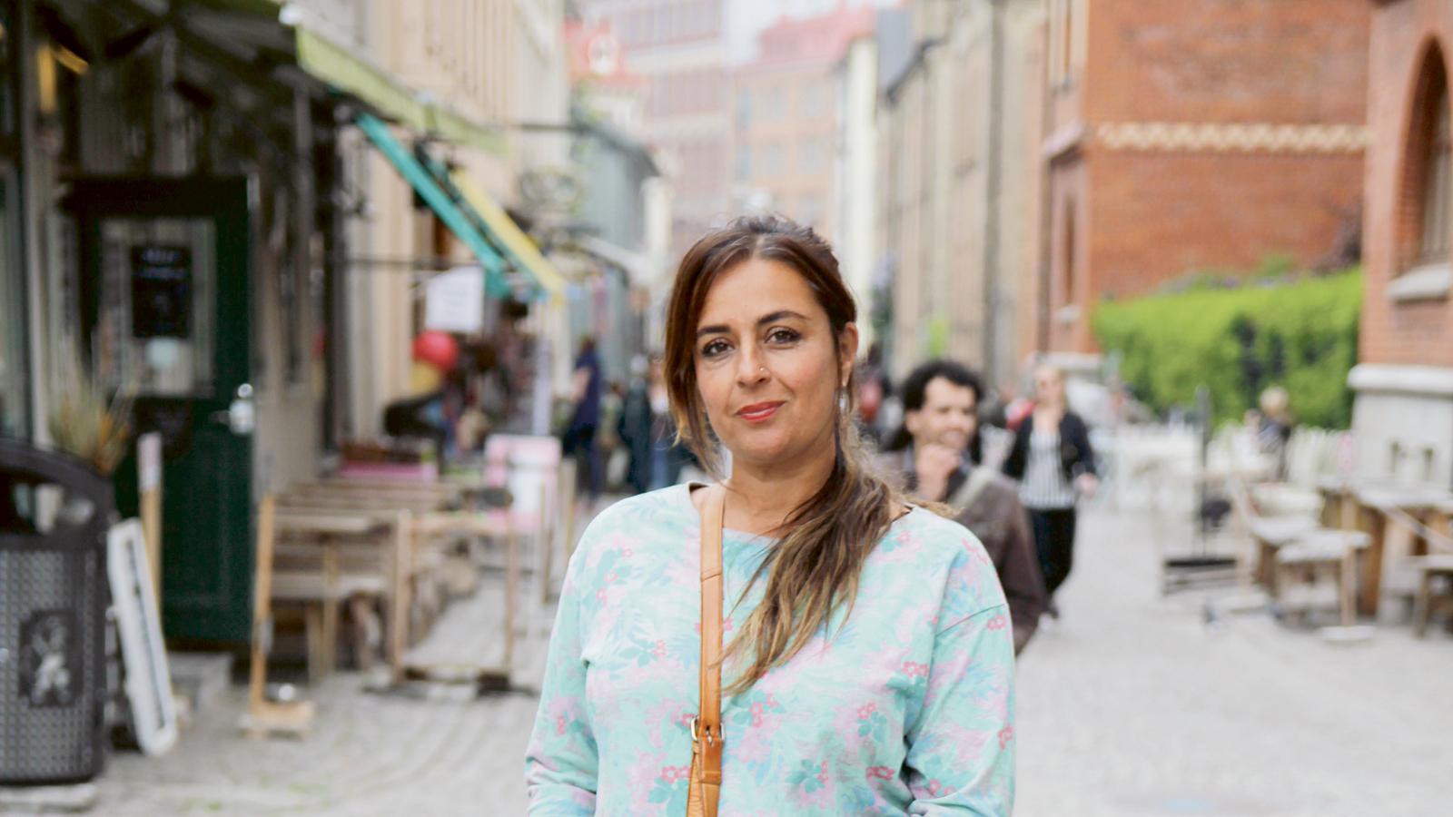 ny kvinnor rimming nära Örebro