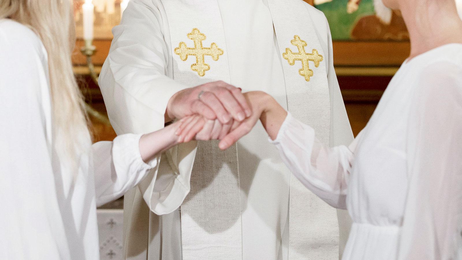 Svenska kyrkan vill viga homosexuella