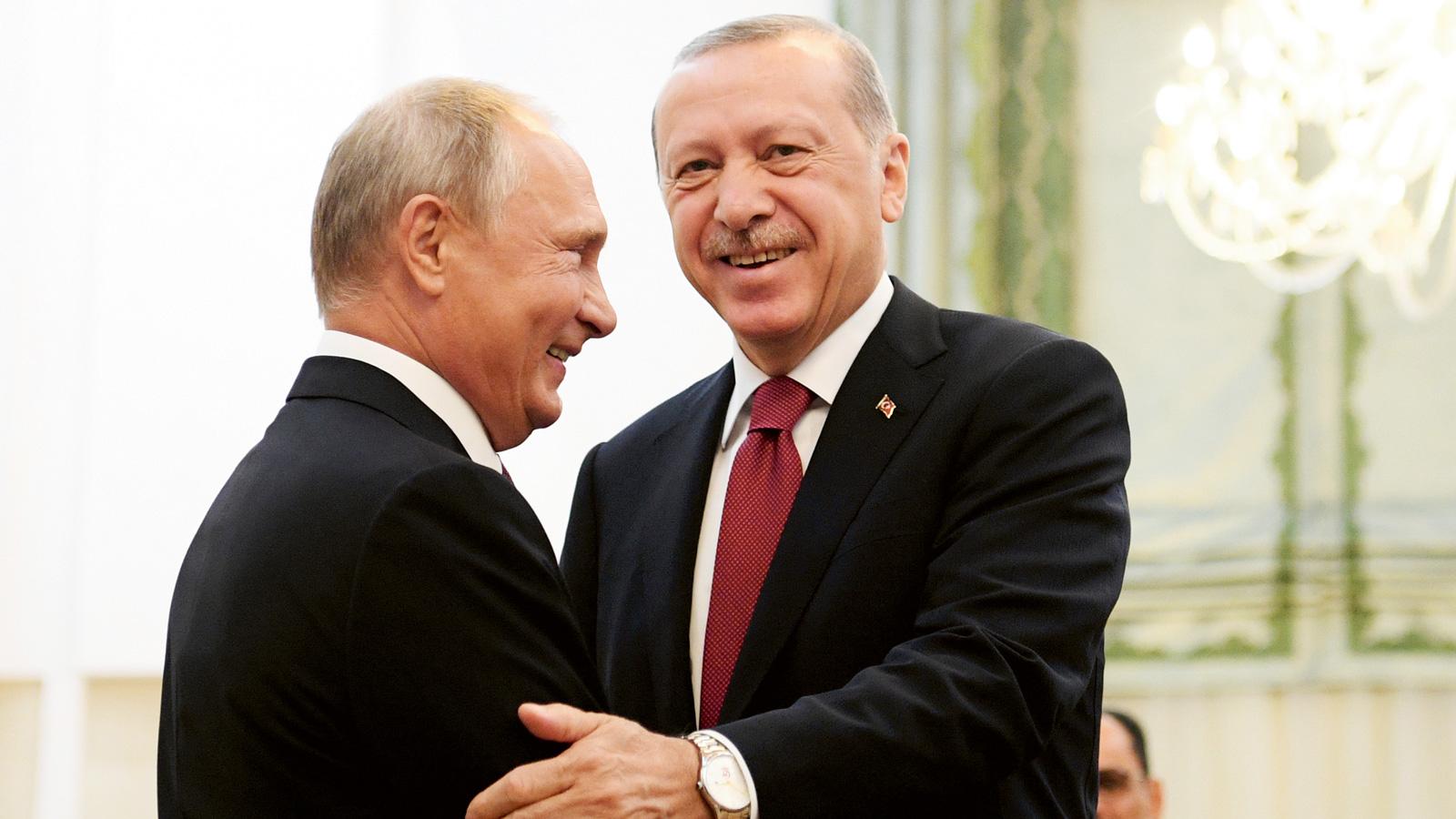 Bildt eu narmande gynnar ryssland