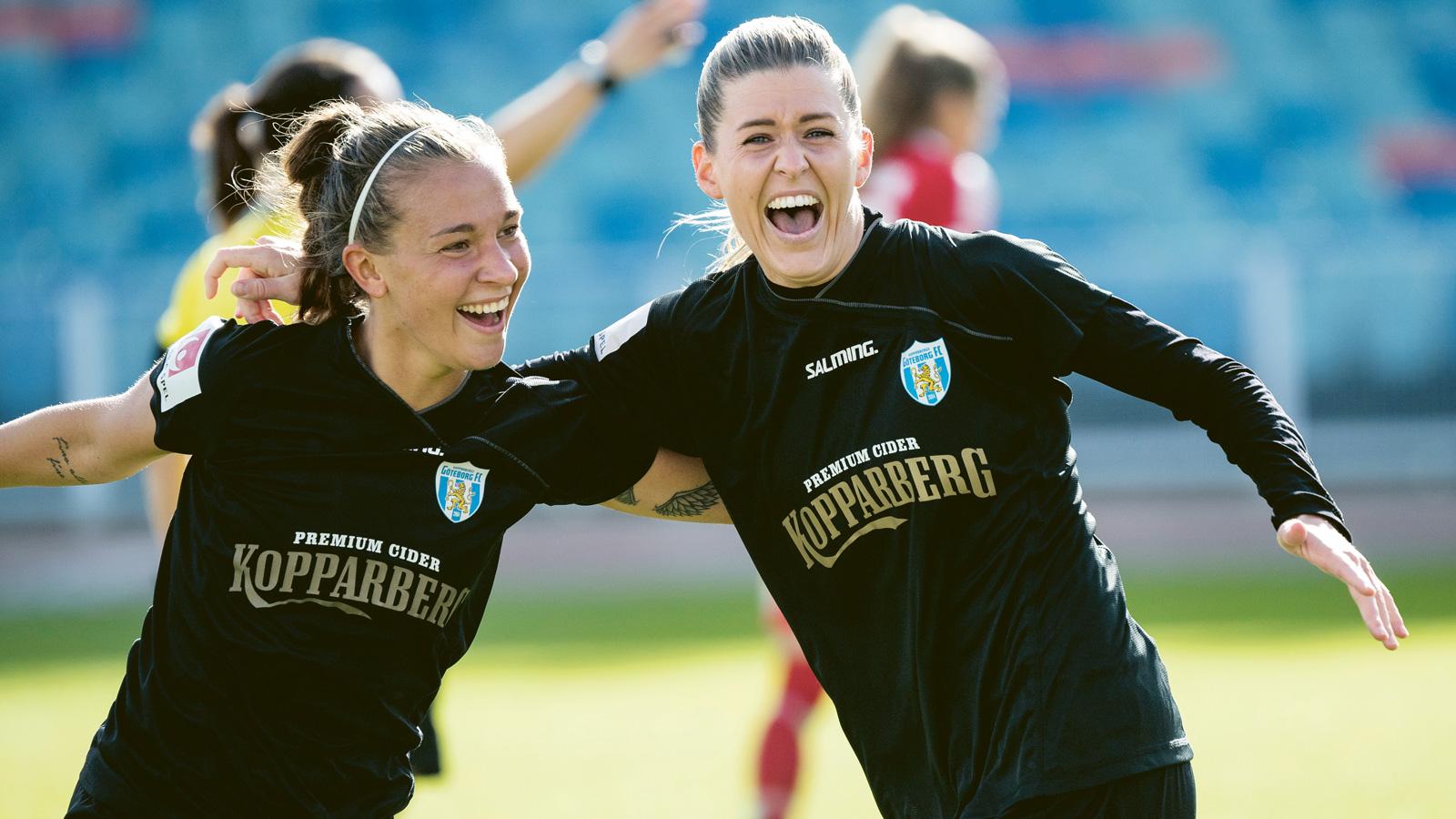 Göteborgs Olivia Schough jublar med Julia Zigiotti Olme (tv) efter sitt 3–0 50accdc72c3c3