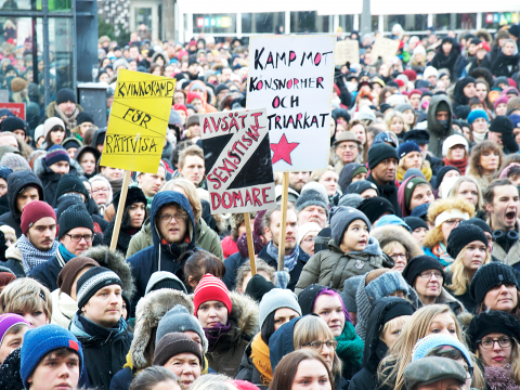 Stort bildspel från Medborgarplatsen. Klicka på plustecknet i bildens övre vänstra hörn för att se alla bilder. Bild: Karl Skagerberg
