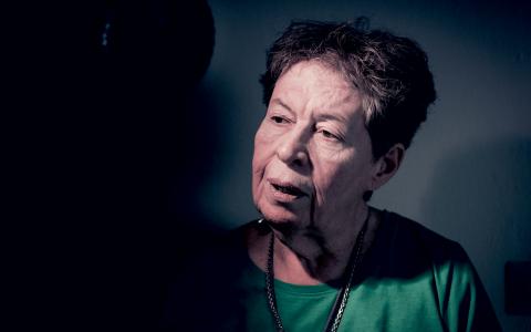 Gloria Perdomo Varela kom till Sverige från Argentina för snart 40 år sedan. Fram till pensioneringen arbetade hon först som diskare och sedan som sjukvårdsbiträde.   Bild: Ellika Henrikson