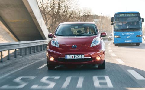 Fri parkering, bussfilkörning och lågt pris är några av åtgärderna som banat väg för elbilssuccén i Norge. Bild: Norsk elbilforening