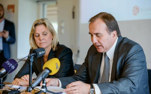 """""""Vad händer i ett parti när allt blir taktik? När en partiledning säger saker det de själva vet är nonsens eftersom de tror att tillräckligt många är tillräckligt okunniga för att låta sig imponeras? Det är något som dör,"""" skriver Anders Nordström.  Bild: Socialdemokraterna"""