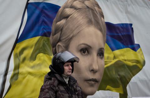 Julia Tymosjenko, oppositionsledare, rapporteras vara frigiven och på väg till Kiev. Bild: Darko Bandic/AP