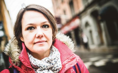 """""""Vi har skapat ett slags samhälle där vi fick det jättebra, men där unga inte har samma möjligheter att få det lika bra"""", säger Ana Udovic vars bok Generation ego ges ut den 31 mars.  Bild: Thea Holmqvist"""