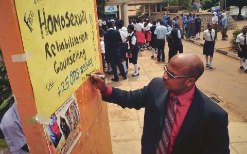 Pastor Martin Ssempa är en hätsk motståndare till hbtq-personers rättigheter.  Bild: Stephen Wandera/AP/TT