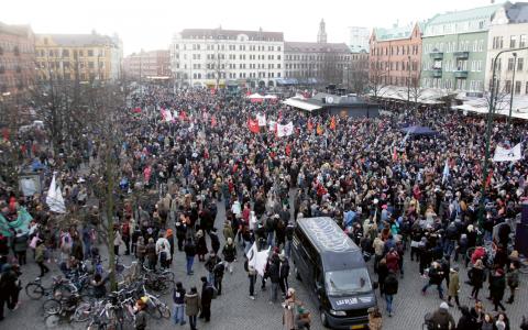 Demonstration mot rasism och fascism på på Möllevångstorget i Malmö.  Bild: Stig-Åke Jönsson/TT