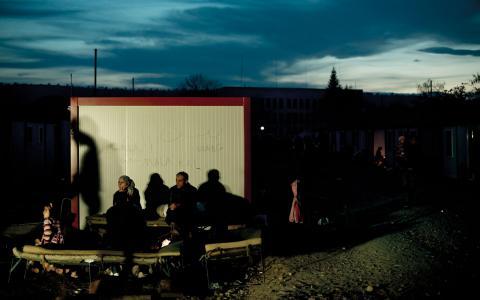 """""""Dublinförordningen är baserad på det falska antagandet att asylärenden behandlas på ett likvärdigt sätt oberoende av vilket EU-land ansökan görs i.""""  Bild: UNHCR/Photo Unit/Flickr"""