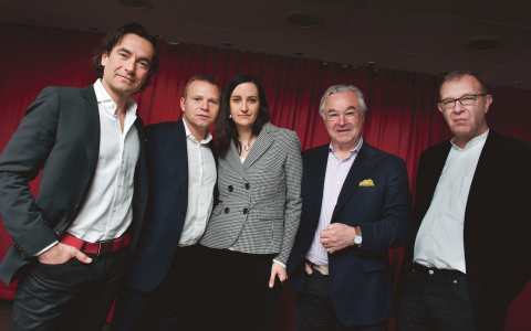 När SVT sänder underhållningsprogram som Draknästet, där riskkapitalister budar på entreprenörers idéer, ser debattören Daniel Ericsson det som en del i ett led där där entreprenörskapets diktatur brer ut sig över Europa.  Bild: Jonas Ekströmer/TT