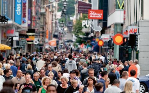 Svenja Gärtners avhandling visar att det inte är självklart att stora inkomstskillnader är en bra morot för att öka produktiviteten.  Bild: Christine Olsson/TT