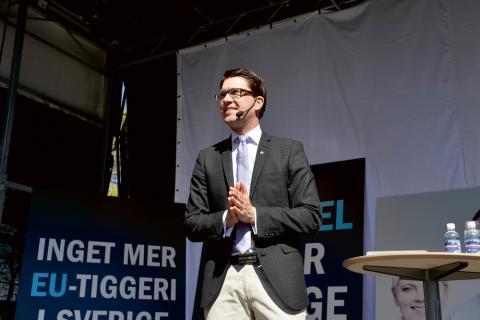 Jimmie Åkesson tror på ett homogent samhälle. Men vem ryms i det? Bild: Anders Wiklund/TT