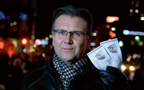 """I första avsnittet av """"To blowjobs, tak!"""" tar programledaren Christian Schou med tittarna på en guidad tur till delar av den danska sexköpsmarknaden.  Bild: dr.se"""