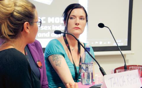 """Rachel Moran besökte Nordiskt forum i helgen. På ett seminarium berättade hon bland annat om sina egna erfarenheter av prostitution. """"Det är den enda socialt accepterade formen av våld som jag känner till"""", säger hon. Bild: Karl Grauers"""