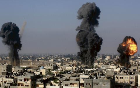 Över 170 människor har hittills dödats i bombattackerna mot Gaza. BILD: Hatem Ali/AP/TT