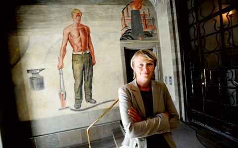 Irene Wennemo förklarar ingående det smarta med generell välfärdspolitik i sin bok Det gemensamma.   Bild: Lars Pehrson/TT