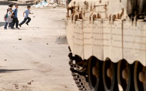 """""""Varje dag lever palestinska föräldrar  med skräckenatt få barn kidnappade,  bortförda, torterade och dödade."""" Bild: Rusty Stewart/Flickr"""