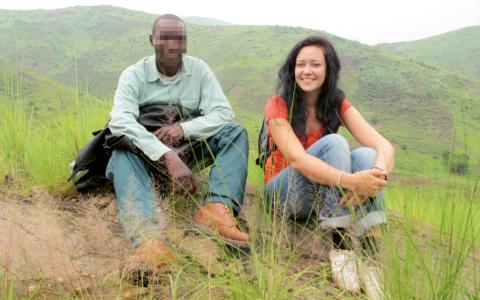 """""""Jag ville förstå hur våld skapas i en långvarig konflikt och gå bakom den mediala bilden av Kongo som 'mörkrets hjärta' där människor begår till synes irrationella, fruktansvärda våldshandlingar"""", säger Anna Hedlund som leve med hutumilisen i Kongo. Bild: Anna Hedlund"""