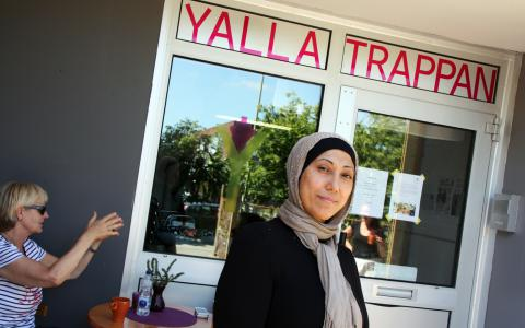 På jobbet. Fatma El-Zein trivs utmärkt på Yalla Trappan i Rosengård.  Bild: Jenny Cleveson