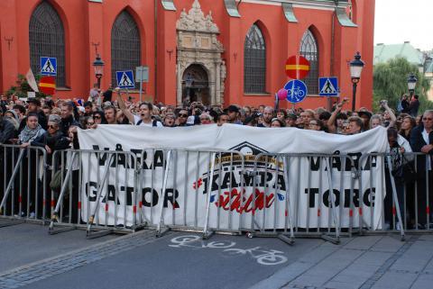 Tusentals samlades på lördagen på Kungsträdgården i Stockholm i protest mot Svenskarnas Partis nazistmarsch. Bild: Eigil Söderin