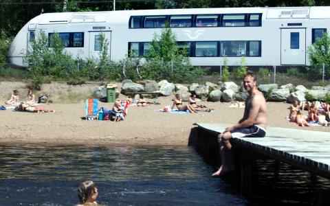 Har du suttit fast på ett tåg i värmen – när du hellre hade velat bada? Du är tyvärr inte ensam. Bild: Stefan Nilsson/SJ