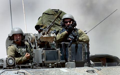 Soldater återvänder till hemlandet Israel efter att ha krigat på Gazaremsan. Bild: Tsafrir Abayov/TT