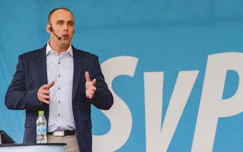 Svenskarnas partis Stefan Jacobsson under talet i Almedalen i somras. Bild: Janerik Henriksson/TT