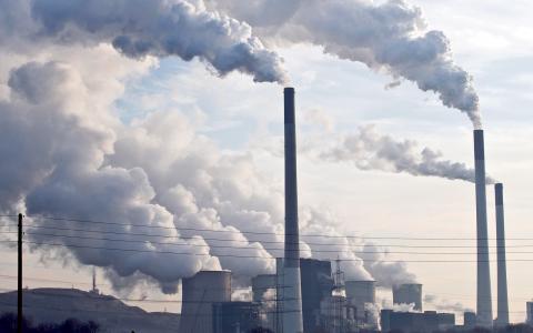 På något decennium gick Vattenfall från nära noll koldioxidutsläpp till att släppa ut nästan dubbelt så mycket som hela Sverige. Bild: TT