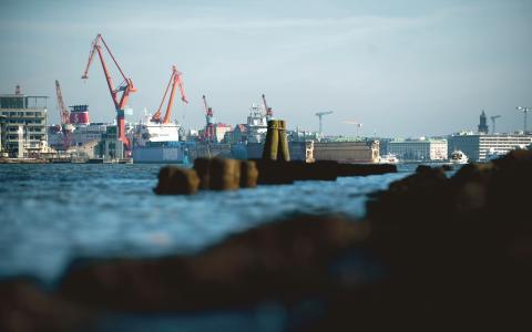 Viktigast. För att Göteborg även i fortsättningen ska vara den viktigaste och största hamnen i Norden samt en ledande sjöfartsstad krävs naturligtvis att de sjöfartsrelaterade näringarna har möjlighet att verka, skriver Anders Svensson.  Bild: ADAM IHSE/TT