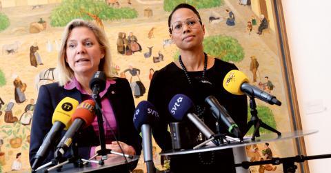 """På fredagen höll Alice Bah Kuhnke presskonferens om att återinföra fri entré på statliga museer tillsammans med finansminister Magdalena Andersson på Moderna museet. """"Det finns viktigare saker att lägga pengar på"""", tycker centerpartisten Matilda Molander. Bild: Jonas Ekströmer/TT"""