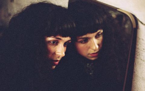 Amina Hocine är en av dem som står för musiken på Frilagret i morgon. Bild: Press