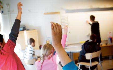 """gemenskap. """"Om inte skilda intressen tillgodoses inom den gemensamma skolan blir det svårt att skapa just det gemensamma, som bör bottna i sociala värdeöverenskommelser och inte i givna religiösa helheter.""""   Bild: FREDRIK SANDBERG/TT"""