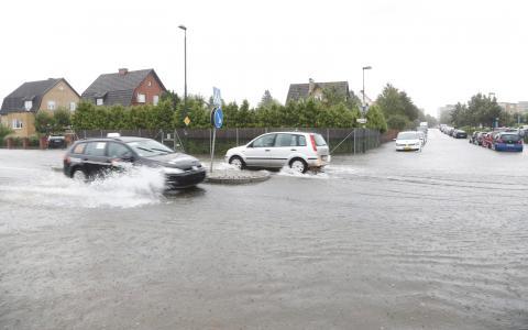 Malmö 31 augusti. Strax efter den största översvämningen i Malmös moderna historia fanns en utmärkt chans att rösta fram kommunpolitiker som tar klimatförändringarna på största allvar, skriver Birk Andersson.  Bild: Stig-Åke Jönsson/TT