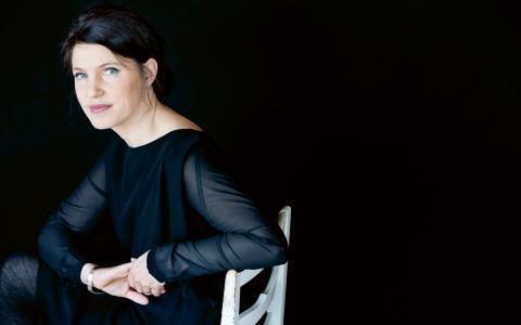 """Den 20 januari kommer Kristina Sandberg till Örebro för att prata om trilogin om hemmafrun Maj. """"Jag kommer att prata om varför jag satte igång den här berättelsen och om samhället sett från ett kök, med en hemmafru som huvudperson."""" BILD: Maria Annas"""