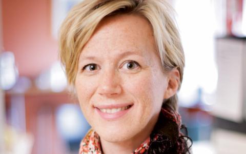 """""""Personligen tycker jag att det var fel att man möjliggjorde vinst när den nya lagen kom"""", säger nationalekonomen Karin Edmark.  Bild: David Lundberg"""