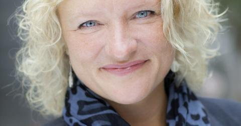 Vägen till chefsrummet på Stockholms stadsteater har varit långt ifrån spikrak för Anna Takanen. Bild: Petra Hellberg