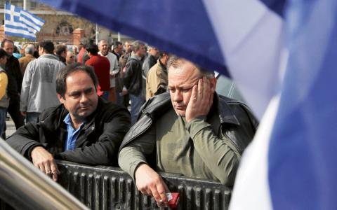 """""""Det är uppenbart att EU:s ledning inte vill att Syriza ska lyckas få ett avtal."""" Bild: Nikolas Giakoumidis/AP/TT"""