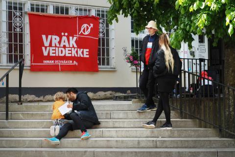 Huset i Högdalen, som ägs av byggbolaget Veidekke, har ockuperats i en vecka. Bild: Eigil Söderin