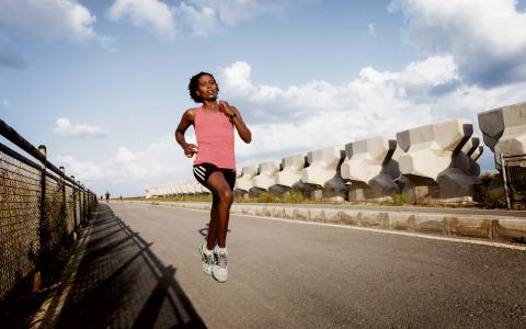 Hon kommer från en av världens främsta löparnationer, men började springa i Libanon. Nu är Aregu Sisay Abate en av de absolut snabbaste kvinnliga löparna i landet. Bild: Karim Mostafa