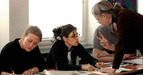 Bara 56 procent av landets gymnasielärare i spanska är behöriga, samtidigt är spanska det språk de flesta vill lära sig utöver de språk de redan kan. Personerna på bilden har inget med artikeln att göra. Bild: Anders Wiklund/TT