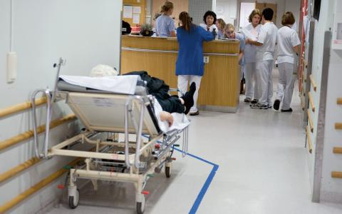 Att höja sjuksköterskelönerna med 10 000 kr i månaden är fullt möjligt, visar Dagens ETC:s granskning.  Bild: Bertil Ericson/TT