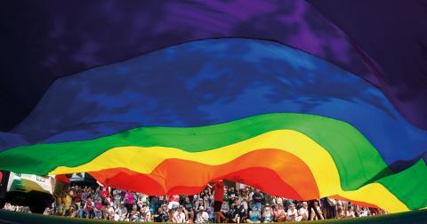 Människan skall accepteras, som människa och inte utifrån läggning, utseende, nationalitet, kultur med mera. Bild: Darryl Dyck/AP/TT