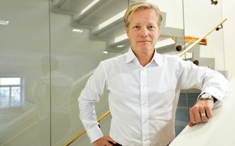 """Johan Bygge, verksamhetschef på EQT, försvarar de gigantiska avgifterna: """"Det kräver rätt mycket arbete att investera så här mycket pengar på ett ansvarsfullt sätt"""", säger han till SvD Bild: Tomas Oneborg / SvD / TT"""