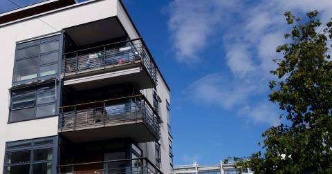 Örebro kommun tar inte ut någon som helst vinst från hyresgästerna i Öbo för att finansiera kommunal verksamhet skriver kommunledningen. Bild: Hasse Holmberg/TT