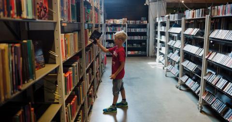 Snart i en park nära dig? MP vill att kulturen kommer närmare invånarna, till exempel med sommarbibliotek i parker. Bild: Vilhelm Stokstad/TT