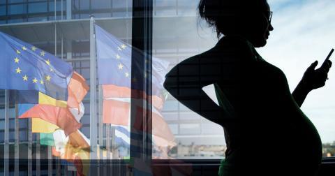 Den svenska utredningen om huruvida altruistiskt surrogatmödraskap bör tillåtas ska presenteras för regeringen den 24 februari. Europarådet, som bevakar mänskliga rättigheter i Europa, ska under våren lägga fram en rekommendation för europeiska länder. Bild: Jessica Gow/Henrik Montgomery/ TT