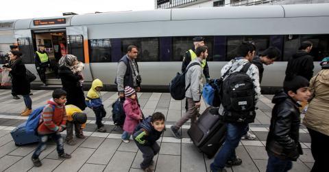 """""""Integration skapas genom engagemang på lokal nivå och det finns här"""", skriver debattörerna. Bild: Stig-Åke Jönsson/TT"""