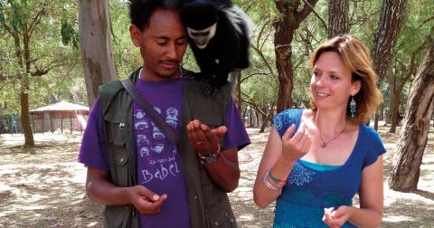 """""""De grupper vi har haft säger att det mest fantastiska är mötet med människorna, att komma så nära hur de lever"""", säger Linnea Wettermark, miljövetare, som tillsammans med sin man Baye Eyasu anordnar resor till Etiopien. Bild: Privat"""