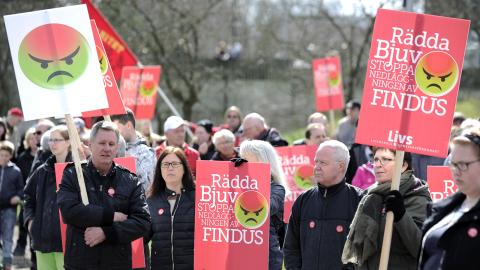 Bjuv givk man ur huse för att protestera mot Findus fabriksnedläggning. Bild: Björn Lindgren/TT
